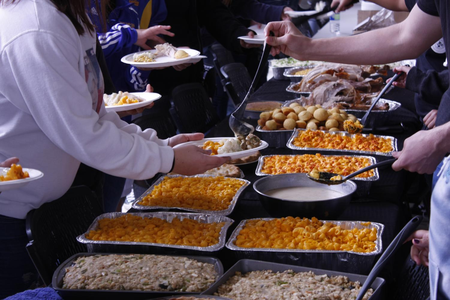 Taft High Foods class Thanksgiving meal being served