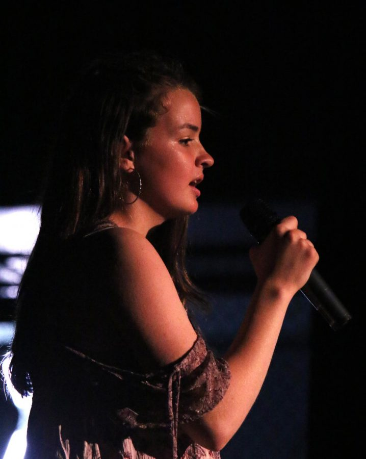 Kailee Gaylord performing