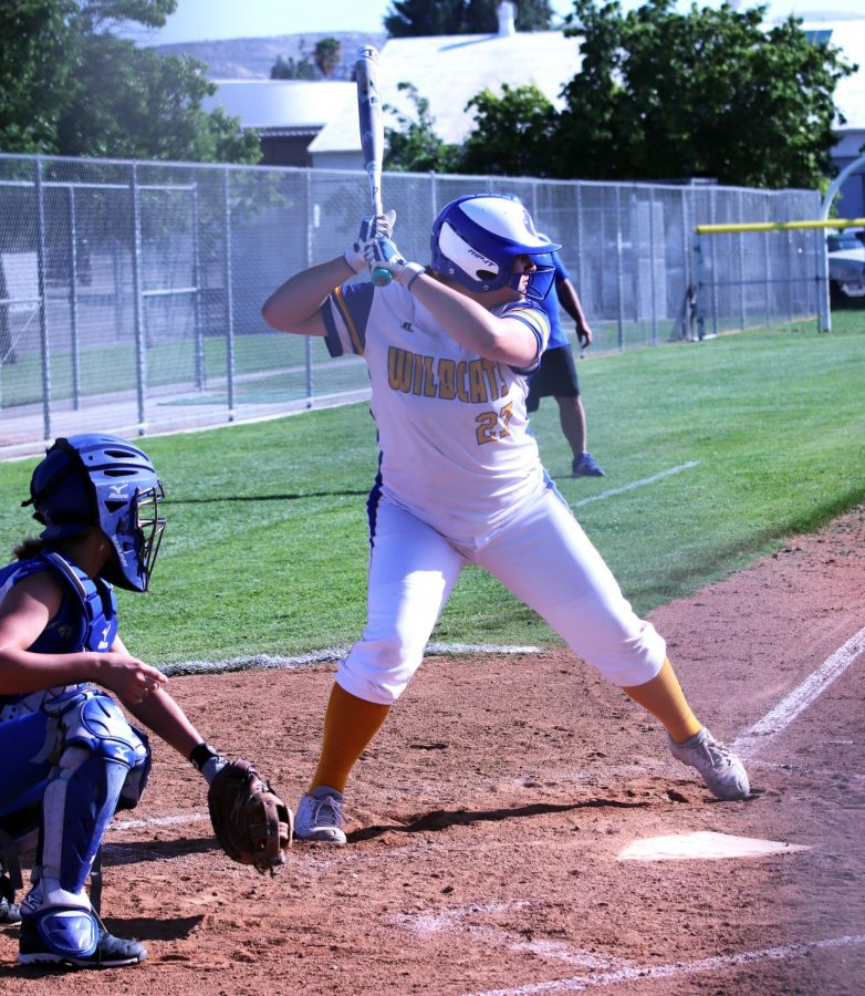 Haley Pulido getting ready to hit the ball.
