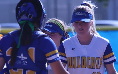 Softball Improves with Back-to-Back Wins