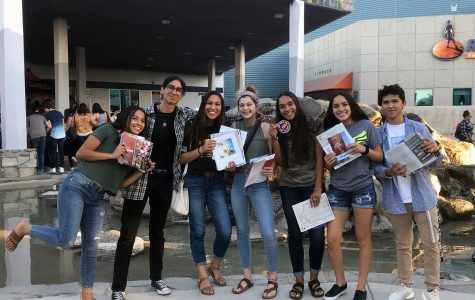College Night hosted a few of our very own wildcats. Seniors, Magali Rodriguez, Miguel Toro, Millie Reynoso, Rylea Summitt, Cherise Strong, Mariah Nevarez, D'Angelo Armenta all posed for a picture after visiting all the booths at the event. They are posing with flyers for different colleges they are interested in attending.