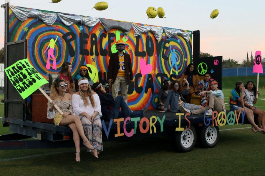The senior class keeping it groovy with their second place win. The 70s has never looked better.
