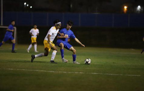Boys varsity soccer has a great start for league