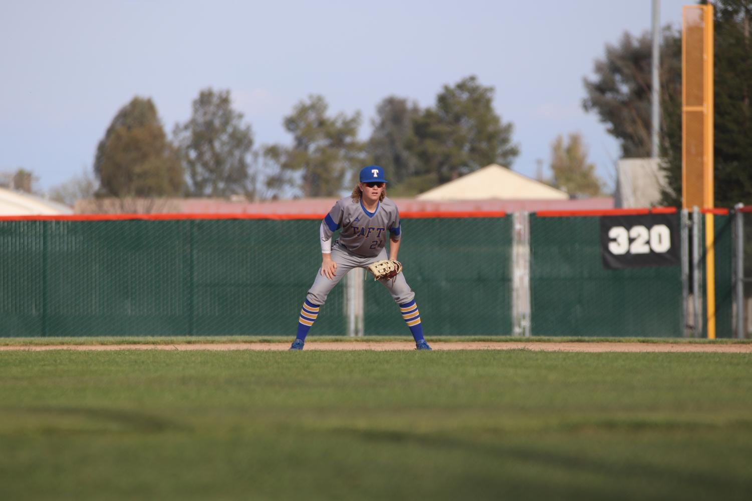 Corbin Yaws waiting to catch a ground ball.