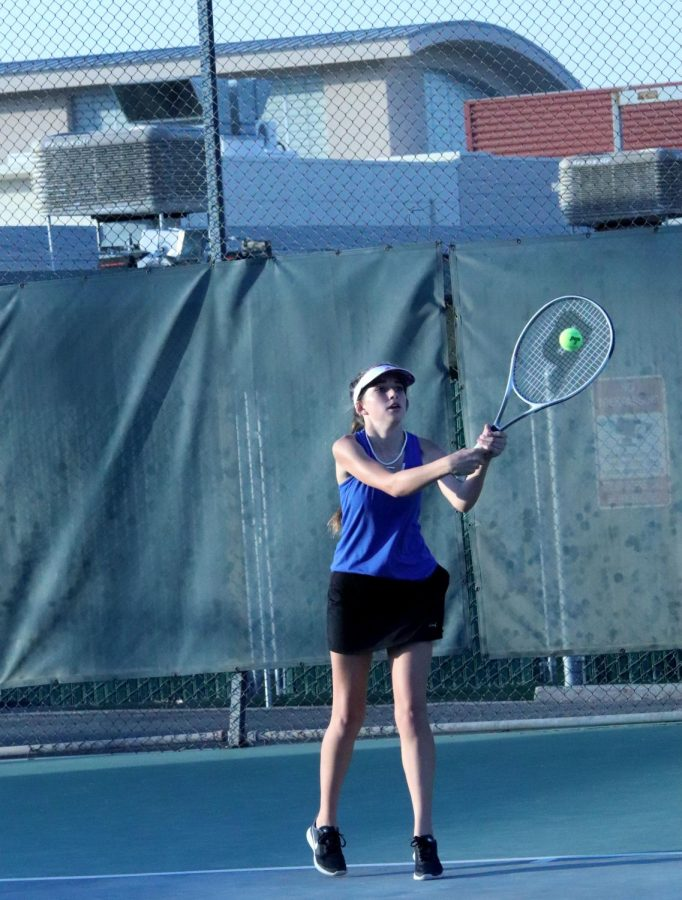Callie+White-Pittman+returning+the+ball+with+her+backhand.+
