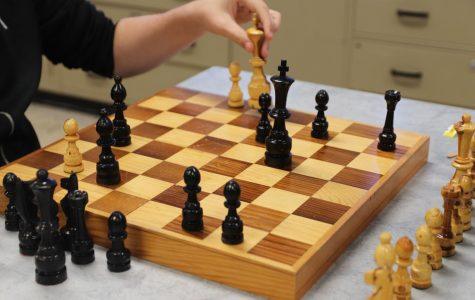 Chess Club slides its way into Taft High